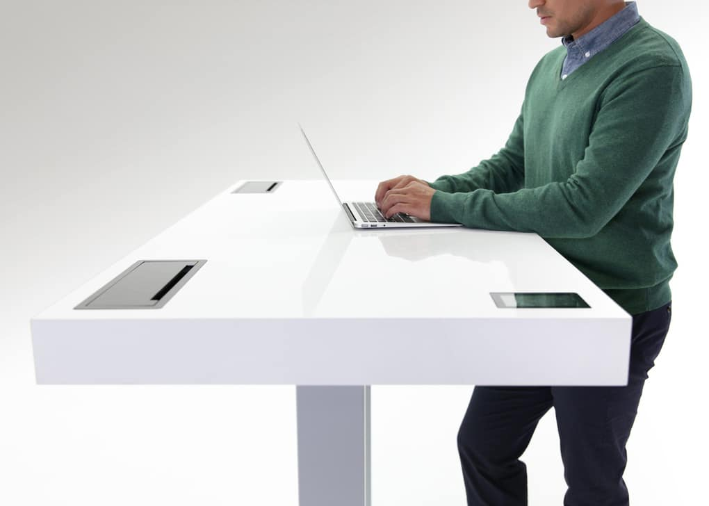 Kinetic Work Desk That's A Mashup Between Desk, Smartphone And Fitbit