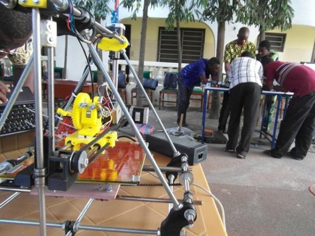 3d-printer-built-e-waste