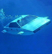 Elon Musk Buys & Rebuilds James Bond's Submarine Car