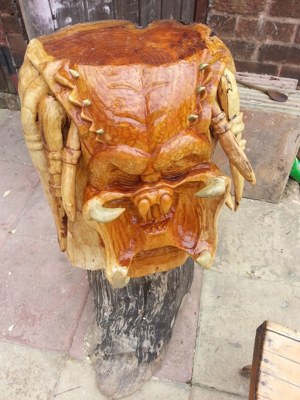 extraterrestrial-predator-head-carved-wood