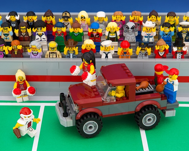 50 States Of LEGO: Illustrated Miniature Stereotypes Of America