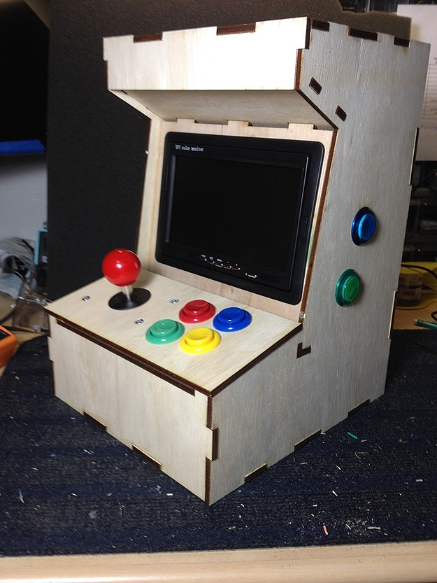 Porta pi build your own mini arcade cabinet using a raspberry pi diy mini arcade cabinet solutioingenieria Image collections