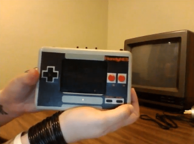 HandyNES: Commissioned Portable Nintendo NES Is Amazing