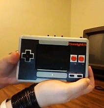 HandyNES: Commissioned Portable Nintendo NES Is Amazing