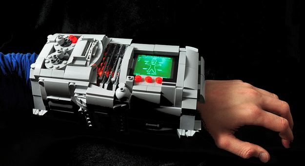 LEGO PIP-Boy 3000 Build