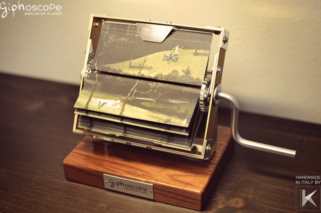 Giphoscope: Retro Hand-Cranked Animated GIF Viewer