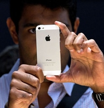 Does Having An iPhone Really Make You Smarter?