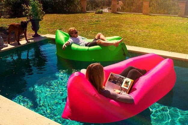 Lamzac Hangout Inflatable Sofa