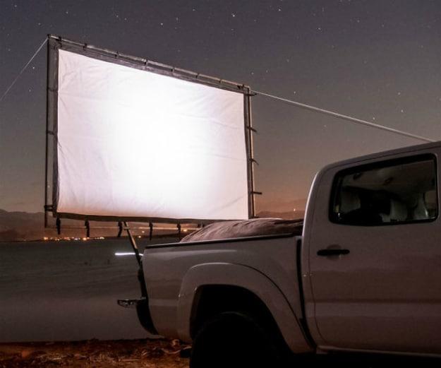 Portable Movie Screen Mount