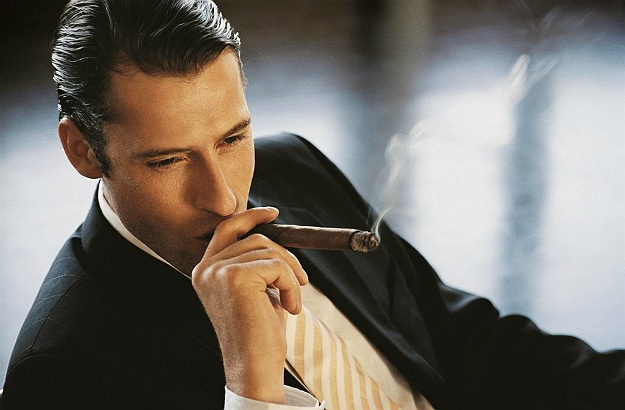 Ultimate Beginner's Guide Smoking Cigars Header