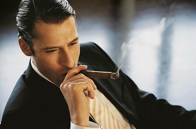 Ultimate Beginner's Guide Smoking Cigars Header