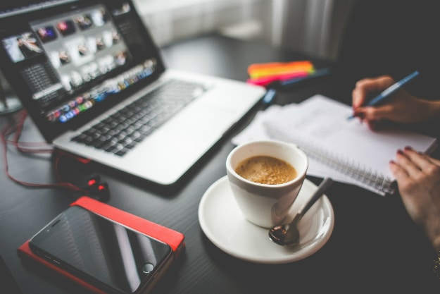 4 Ways To Manage Client Meetings If You Work From Home
