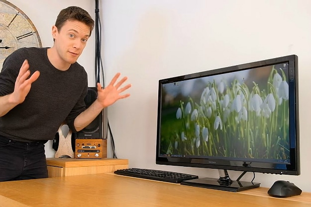Hide All Your Internet Sins With This DIY Motorized Monitor Lift