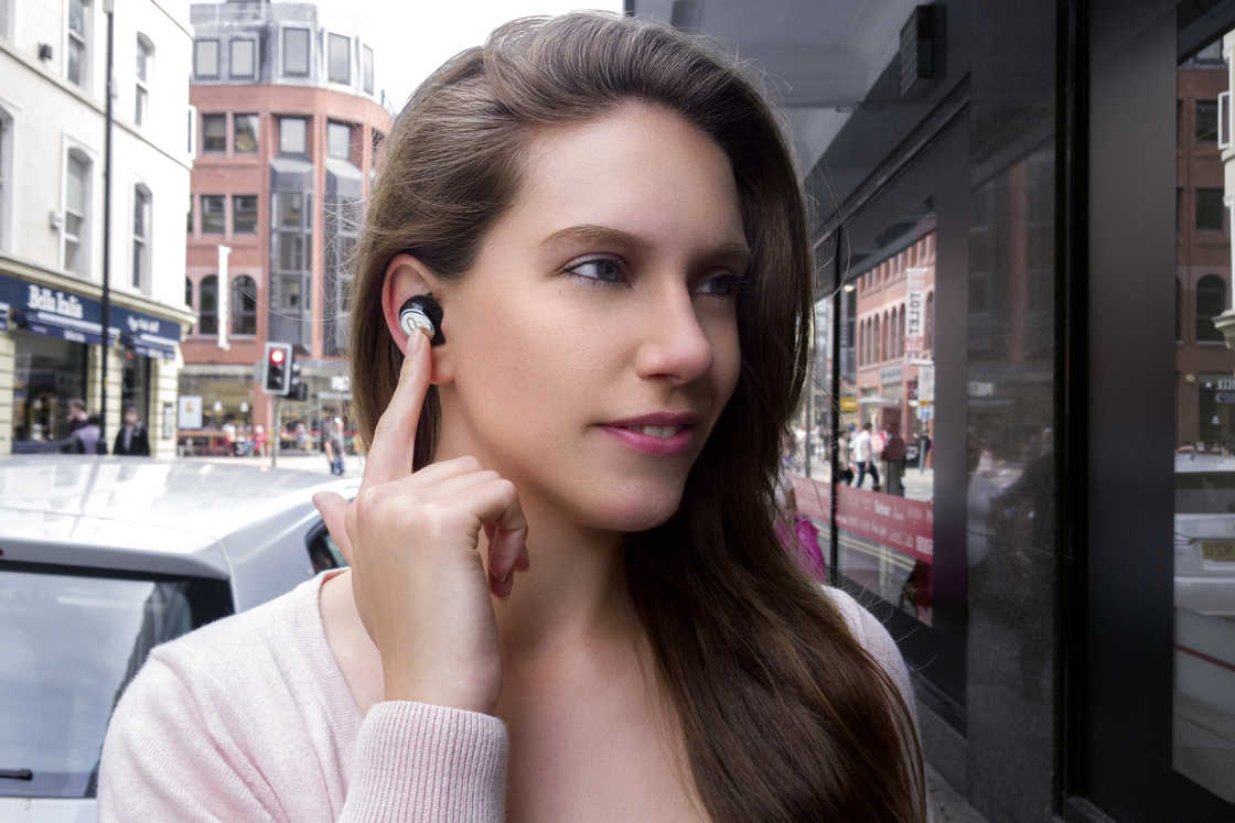 Real-Time Translation Earphones – Never Miss A Word Again