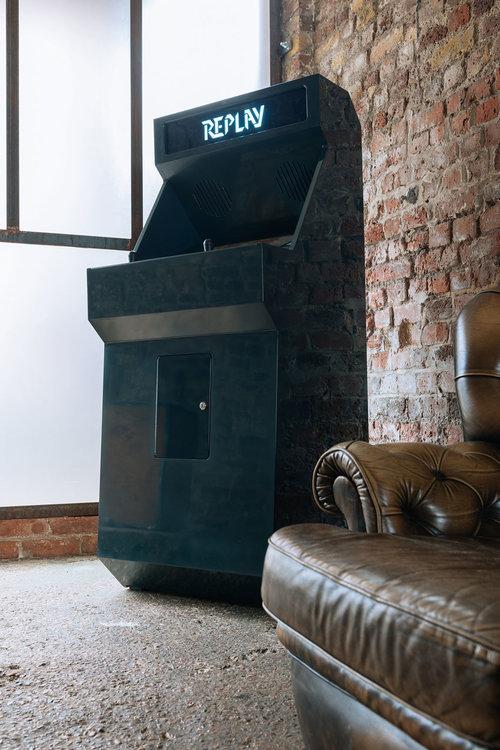 STOA Replay Customized Arcade Cabinet Black Small