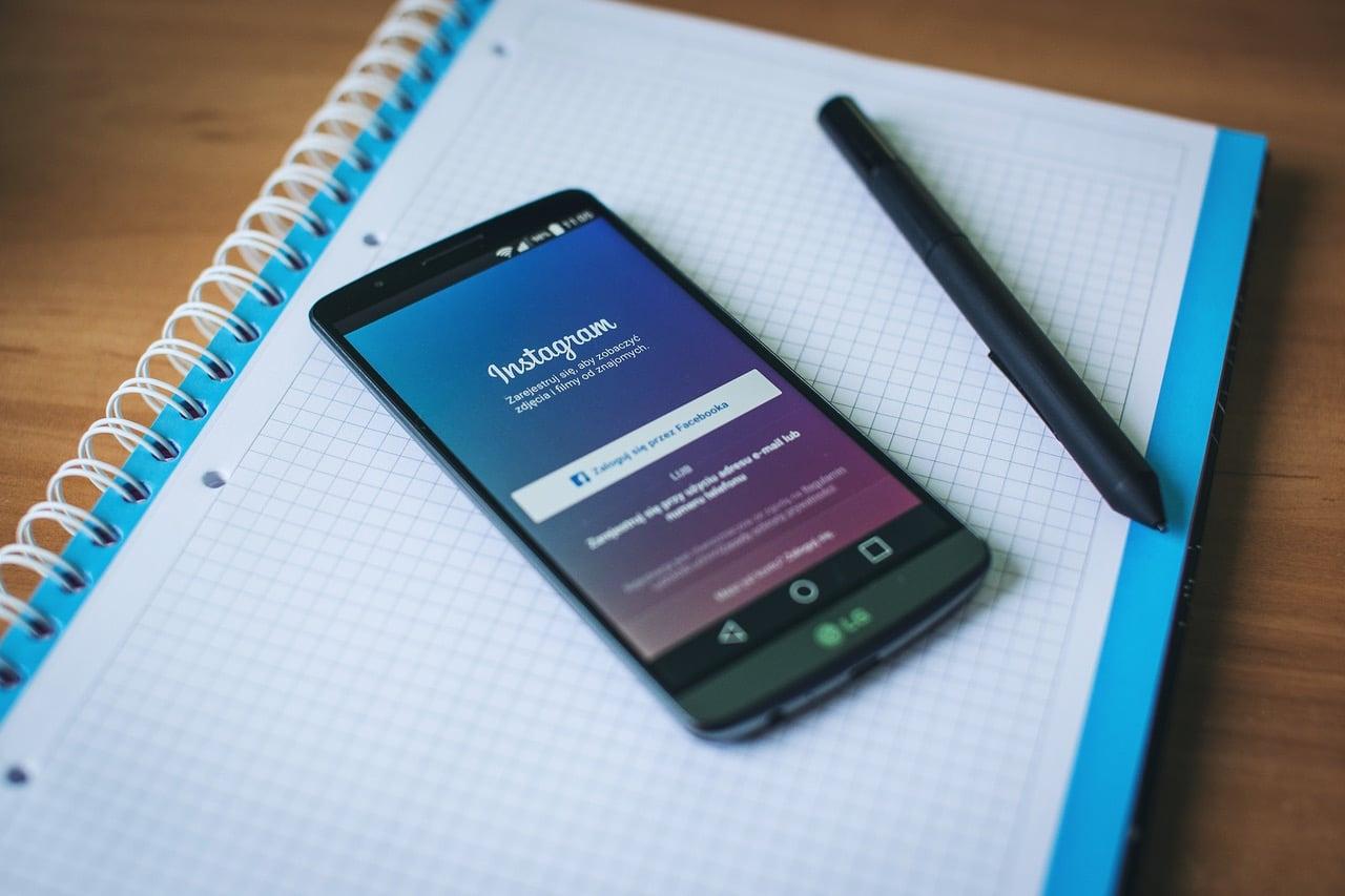 7 Hacks Social Media Content Article Image