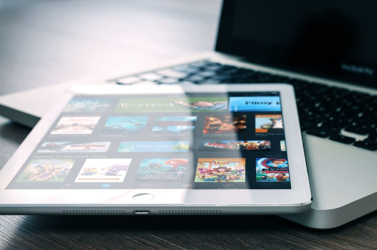 Are Subscription Movie Sites Better Than Free Ones?