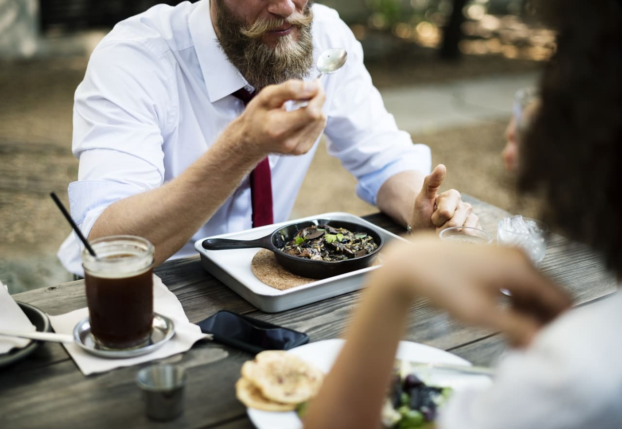 ¨Cutting Edge Restaurant Article Image