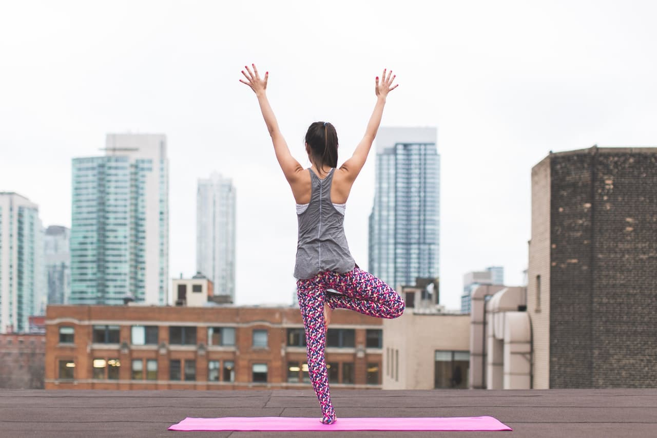 How Live Yoga Lifestyle Article Header