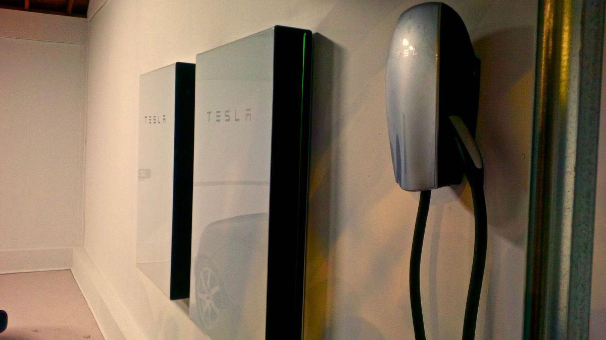 Tesla Powerwall Hurricane Irma Article Image