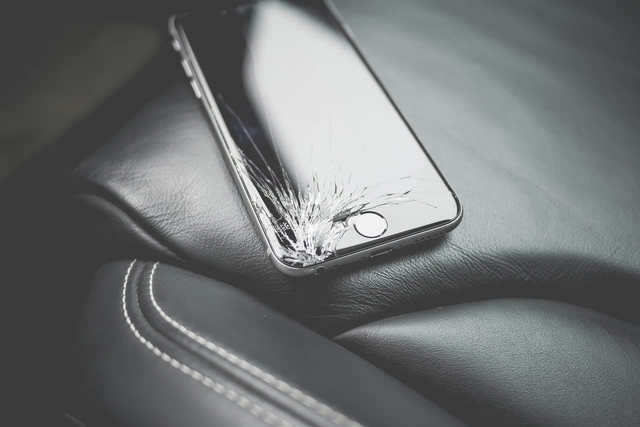 Unfixable iPhone Damage Header Image