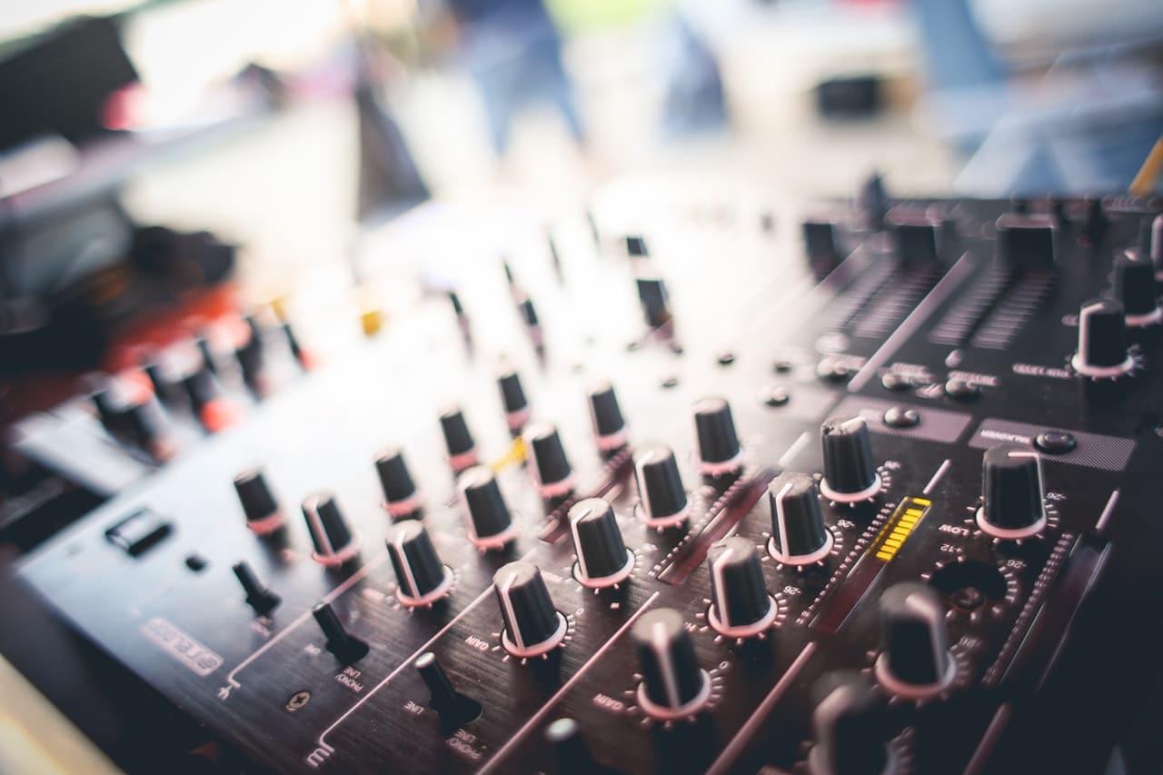 Finding Unique Sound Article Image