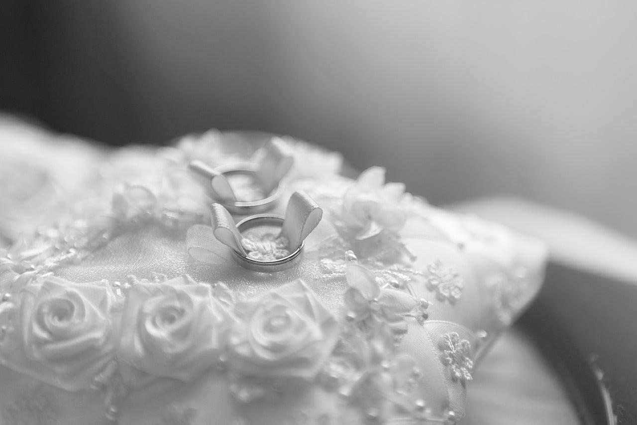 Planning Wedding Ceremony Article Image