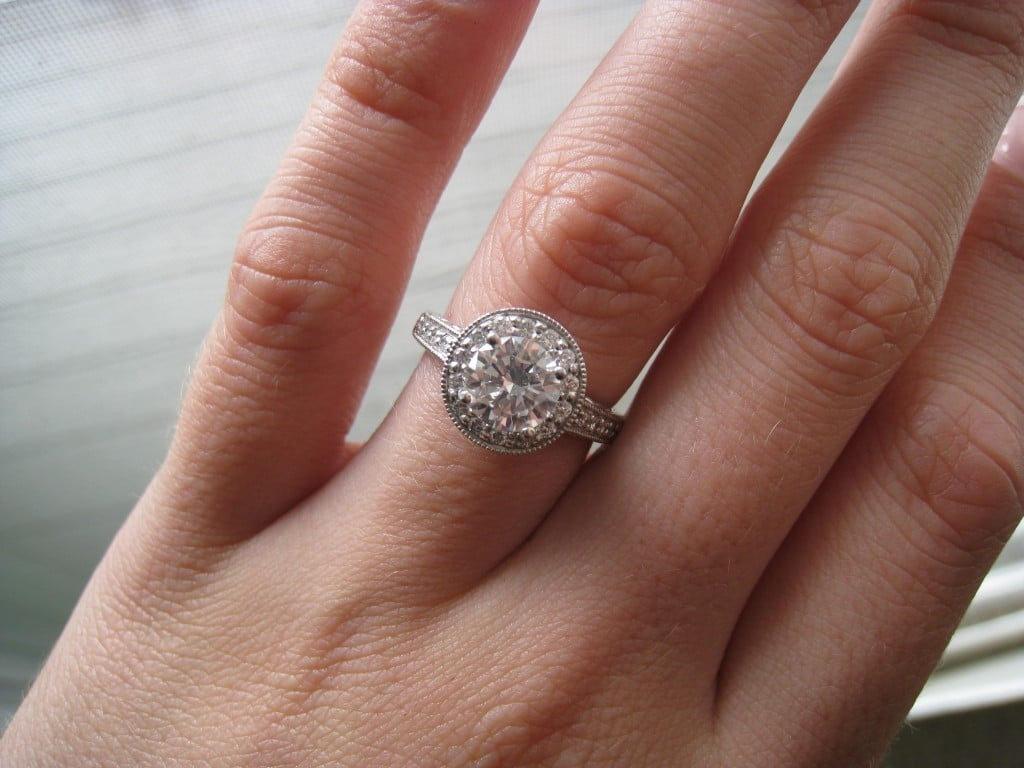 Vintage Engagement Ring Tips Article Image
