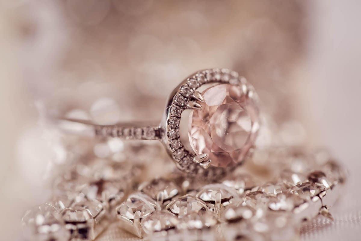 Vintage Engagement Ring Tips Header Image