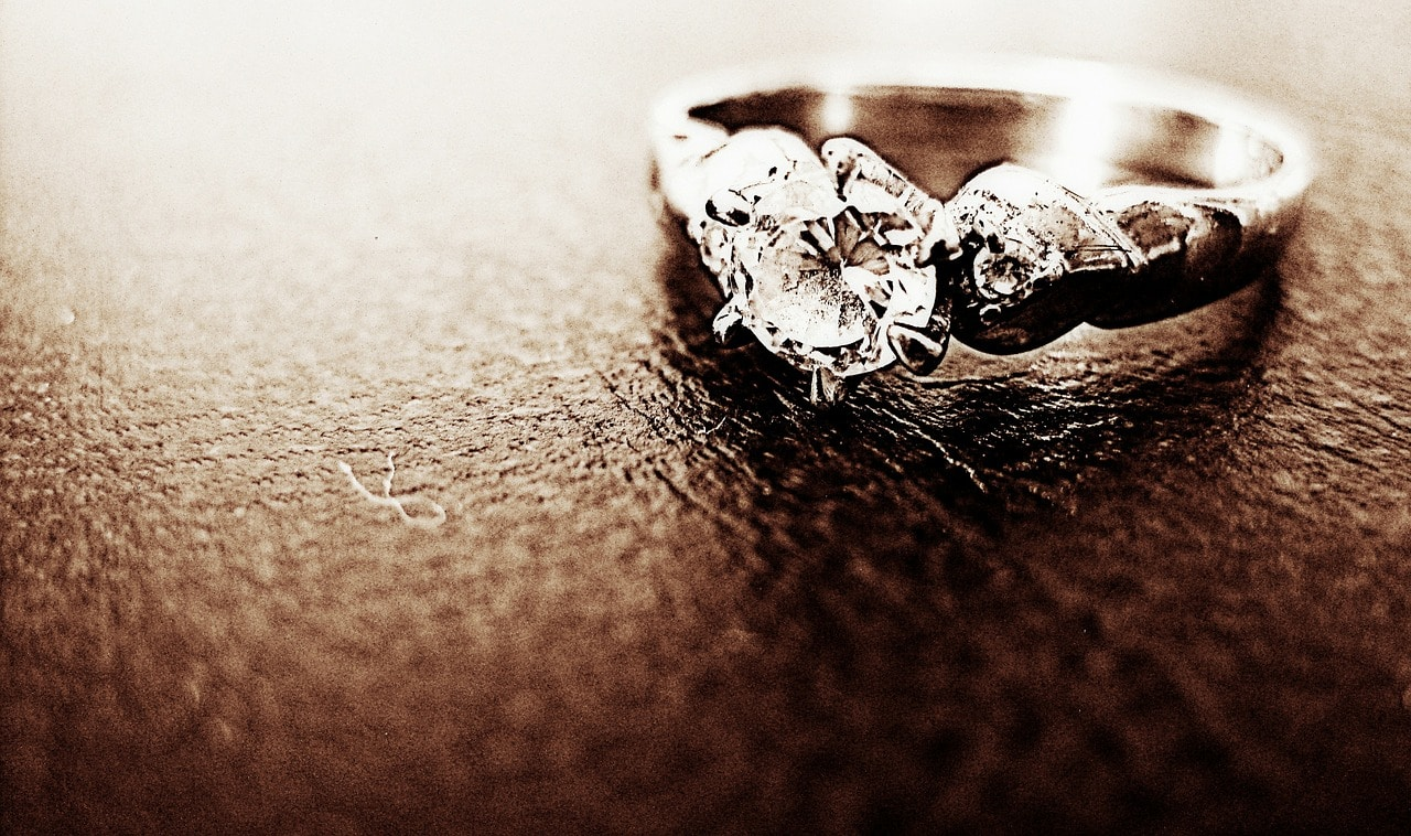 Engagement Ring Tips Article Image