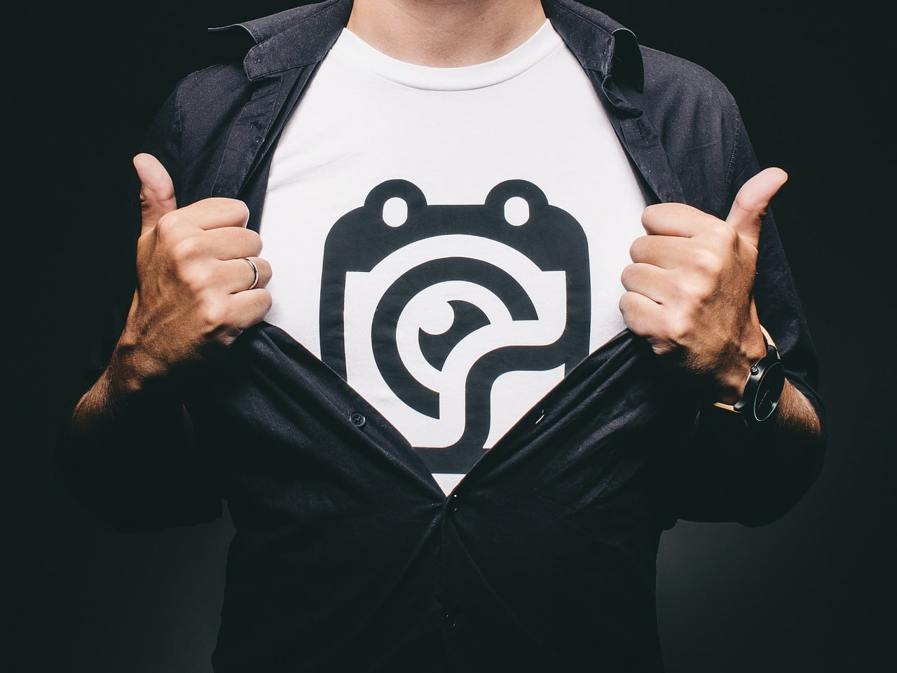 7 Great Ways And Ideas For Customizing A Shirt