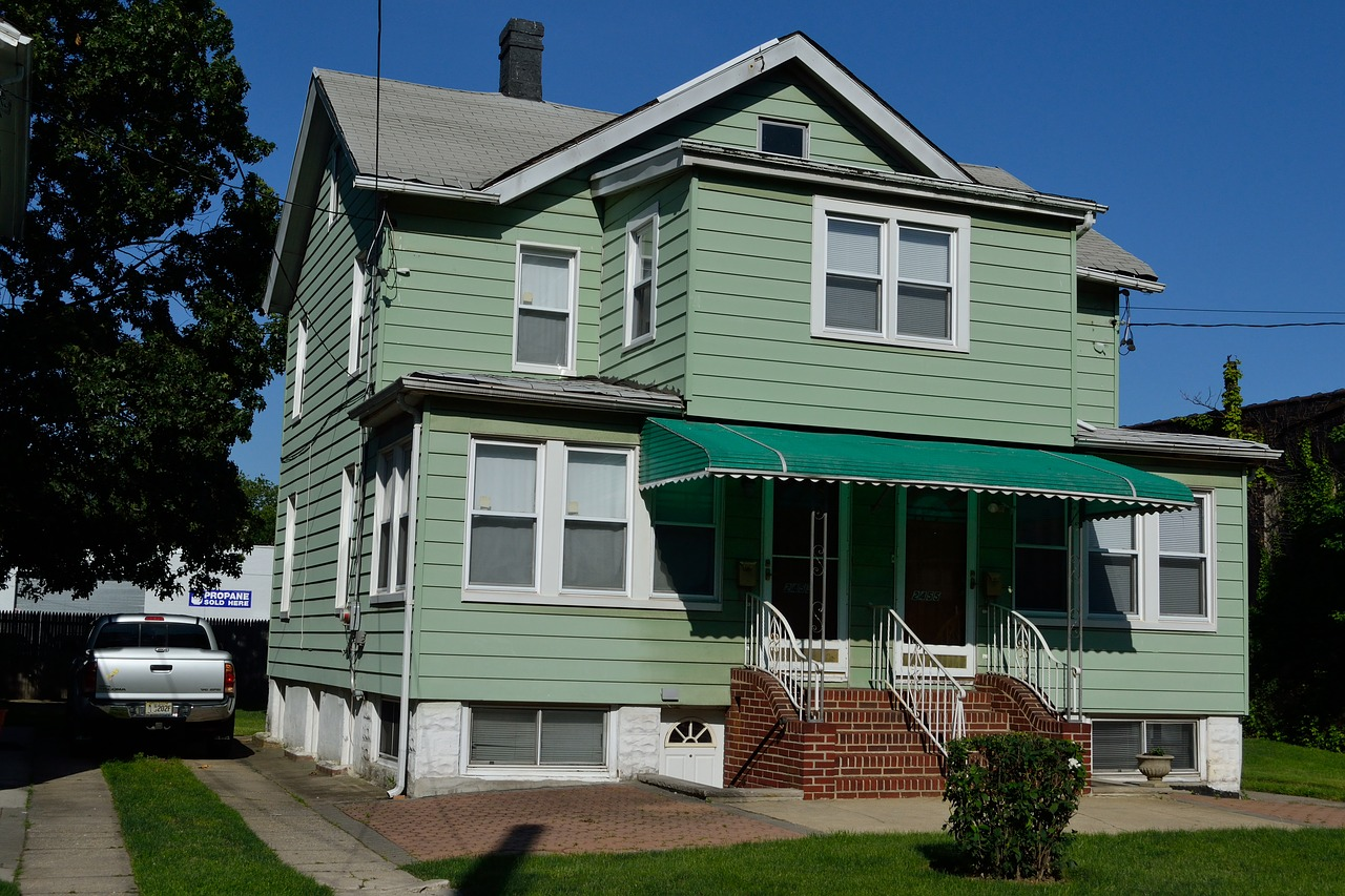 4 Things To Consider When Buying An Old House