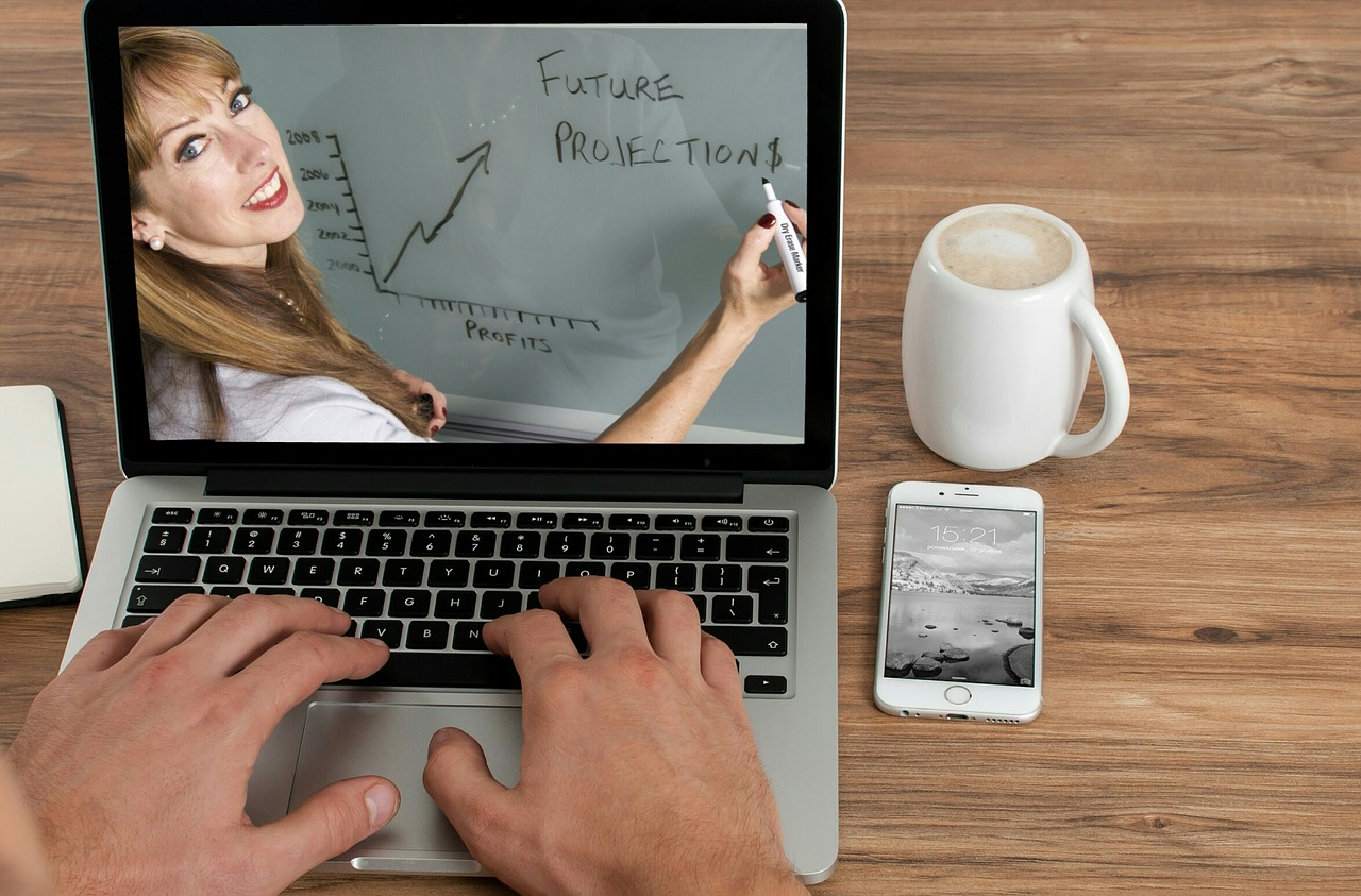 Online Business Degree Article Image