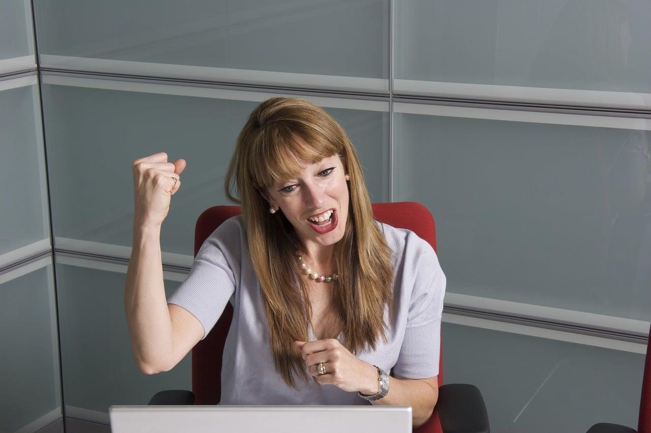 Online Business Degree Header Image