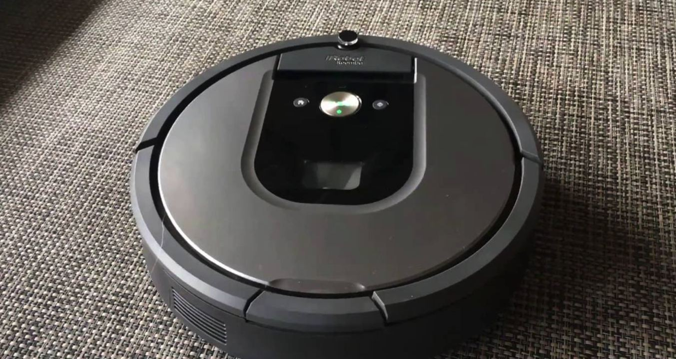 Top 4 Robot Vacuums Which Can Keep Your Hardwood Floors Squeaky Clean