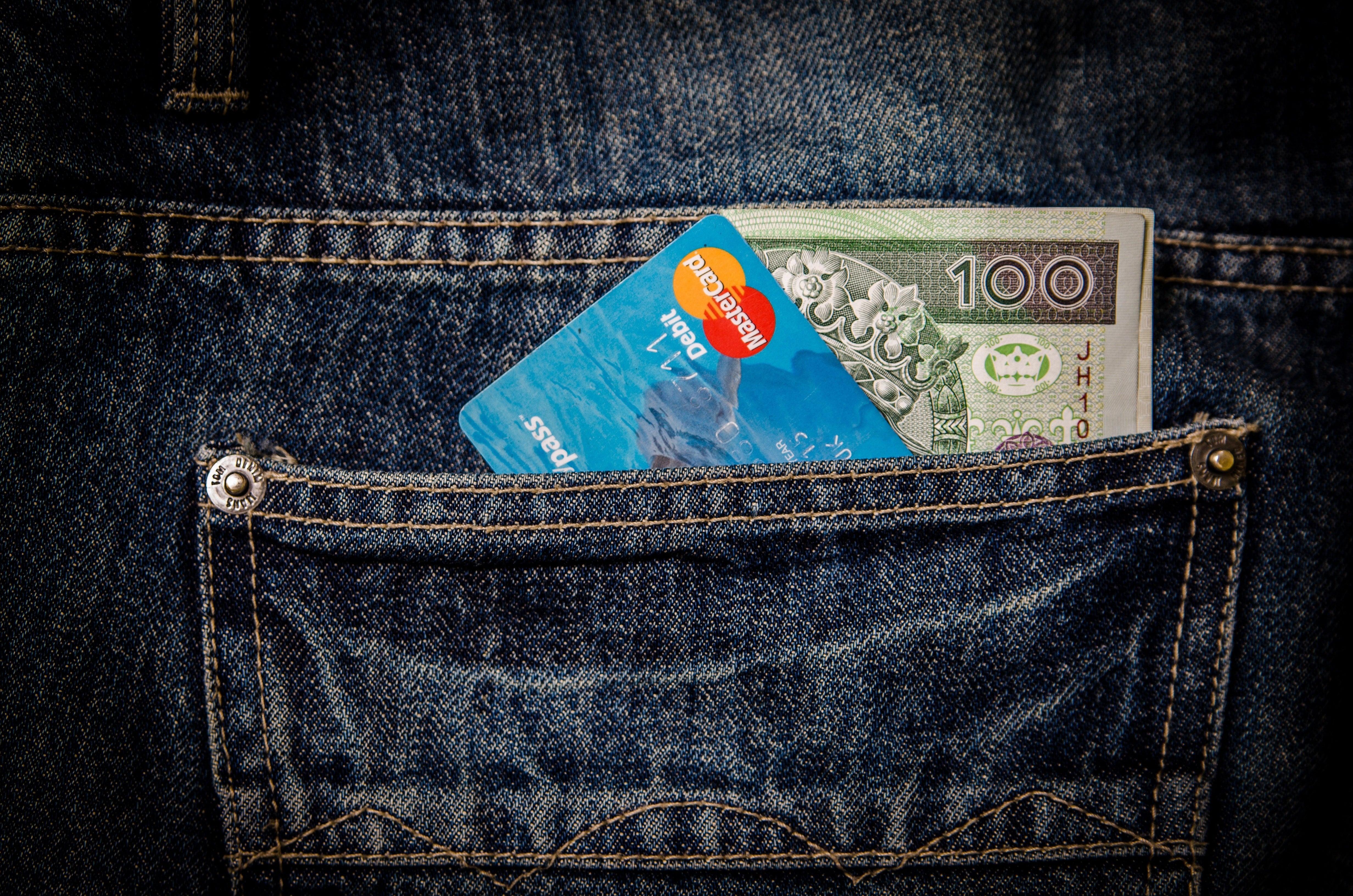 Travel Cash Credit Card Header Image