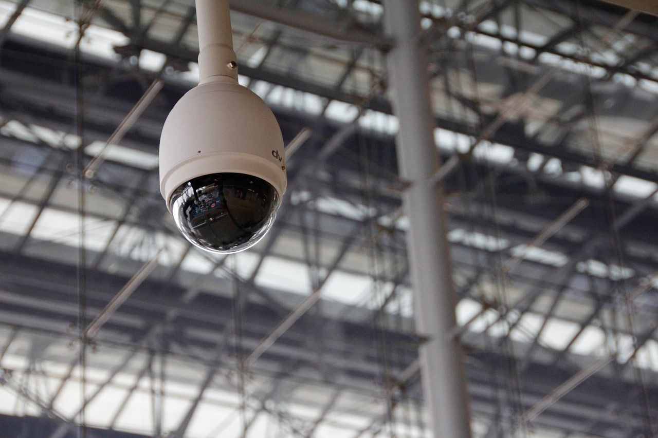5 Reasons Your Business Needs Surveillance Cameras