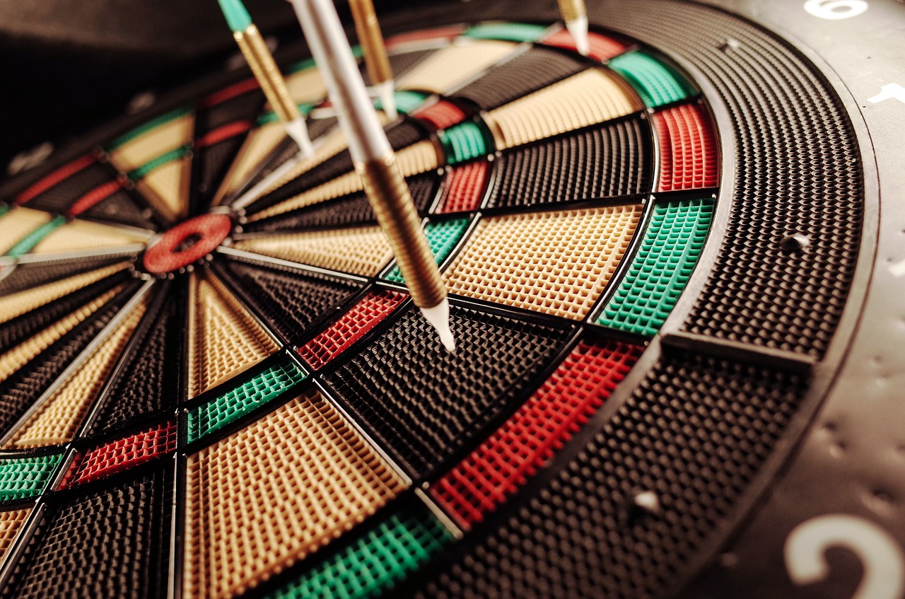 5 Things To Consider Before Buying An Electronic Dart Board For Your Home