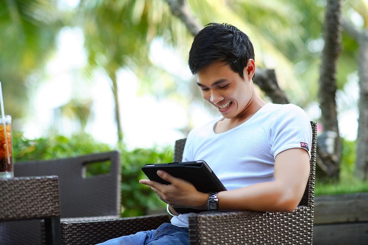 Evolution Gaming Smartphone Tablet Header Image