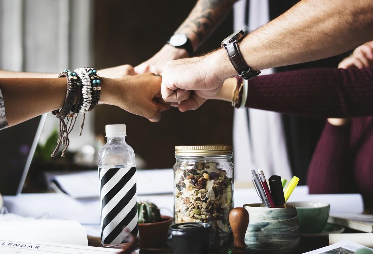 6 Ways Reduce Interdeparmental Conflicts Header Image