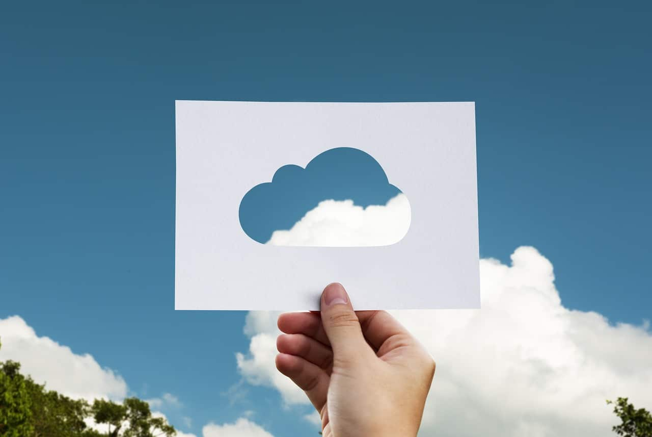 Why Small Businesses Should Move To The Cloud