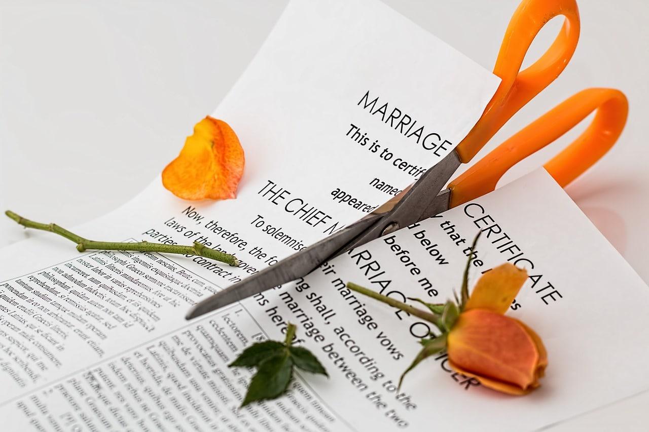 10 Signs Divorce Header Image