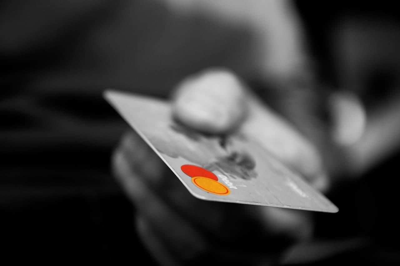 Credit Card Debt Tips Article Image