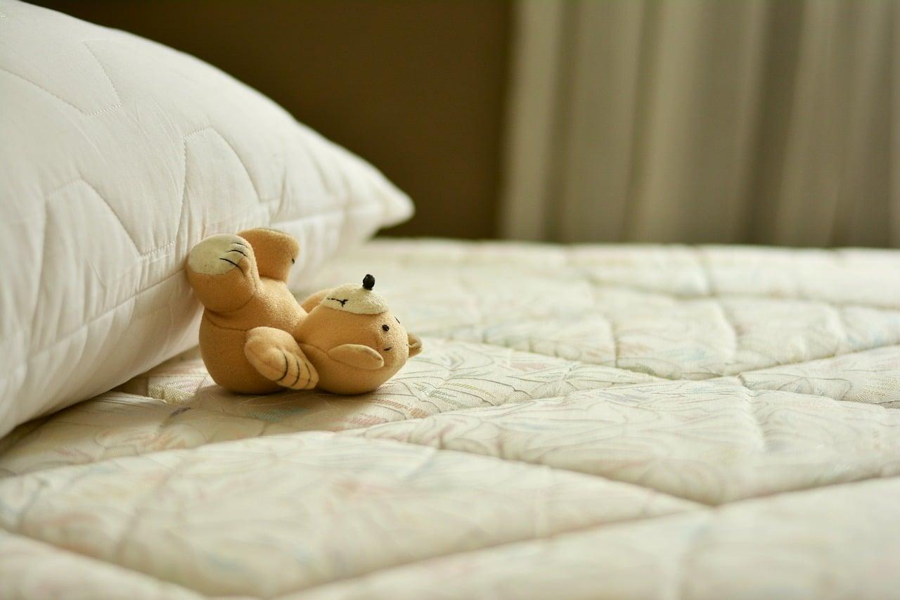 Mattress Sleep Style Article Image