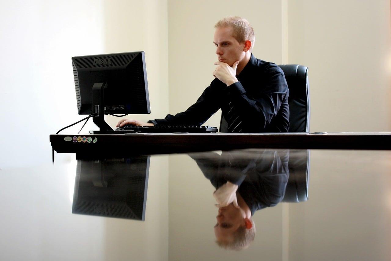 Negative Online Reviews Article Image