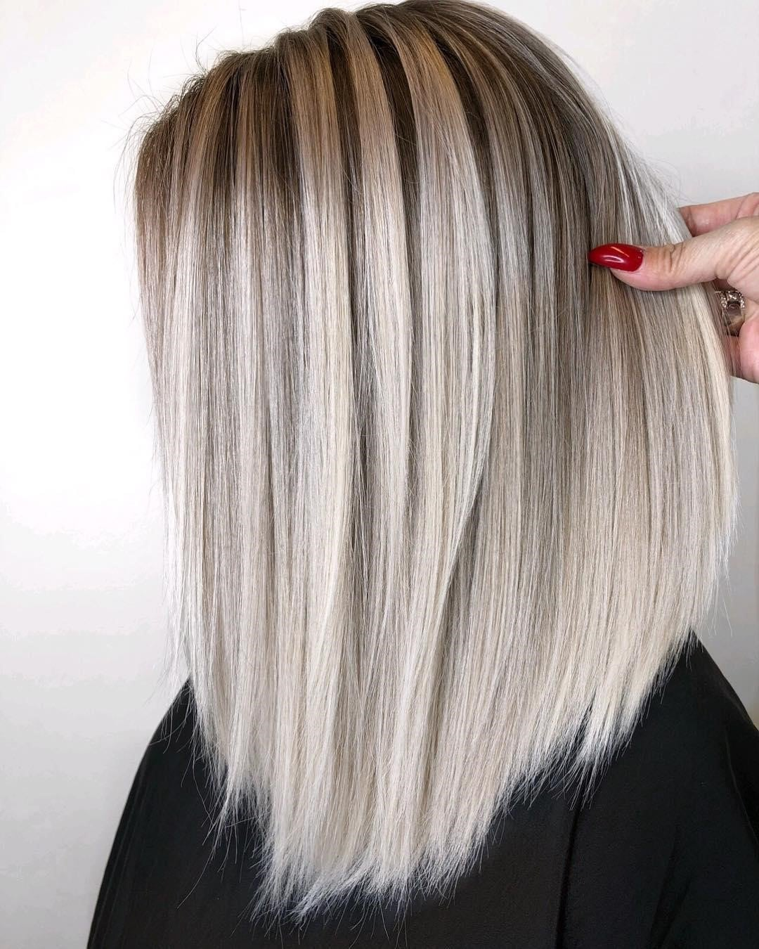 Platinum Blonde Hair Color Article Image 6
