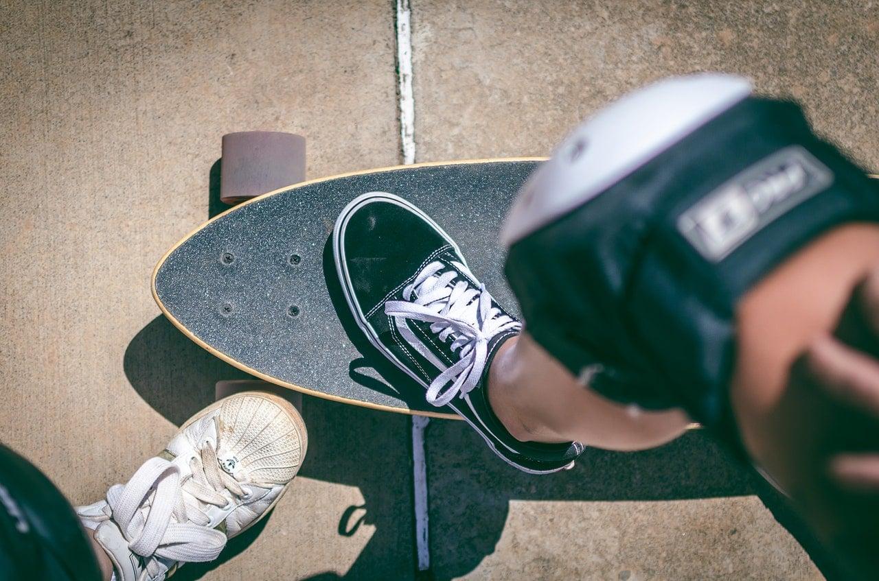 Skateboard Gear Kit Article Image