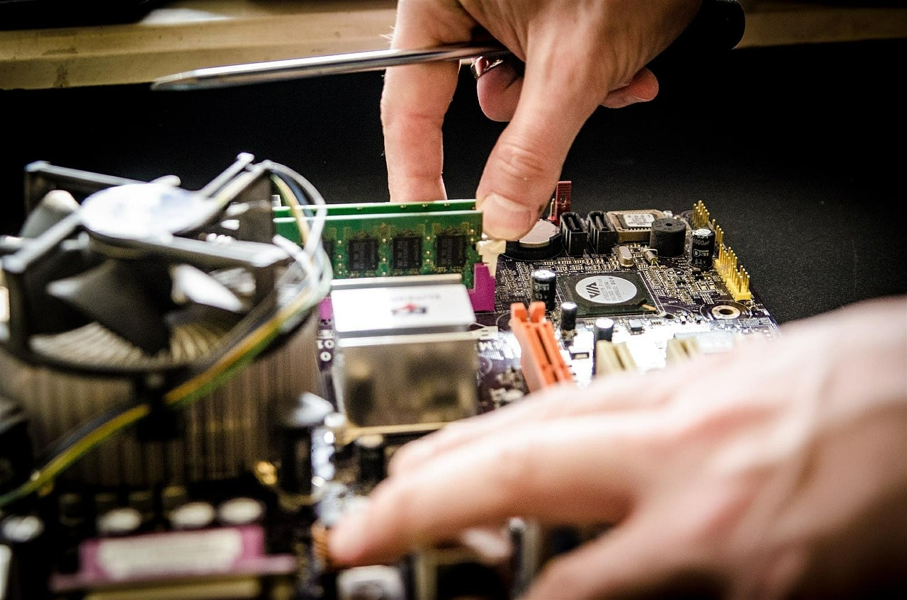 How To Build Your Own PC From Scratch