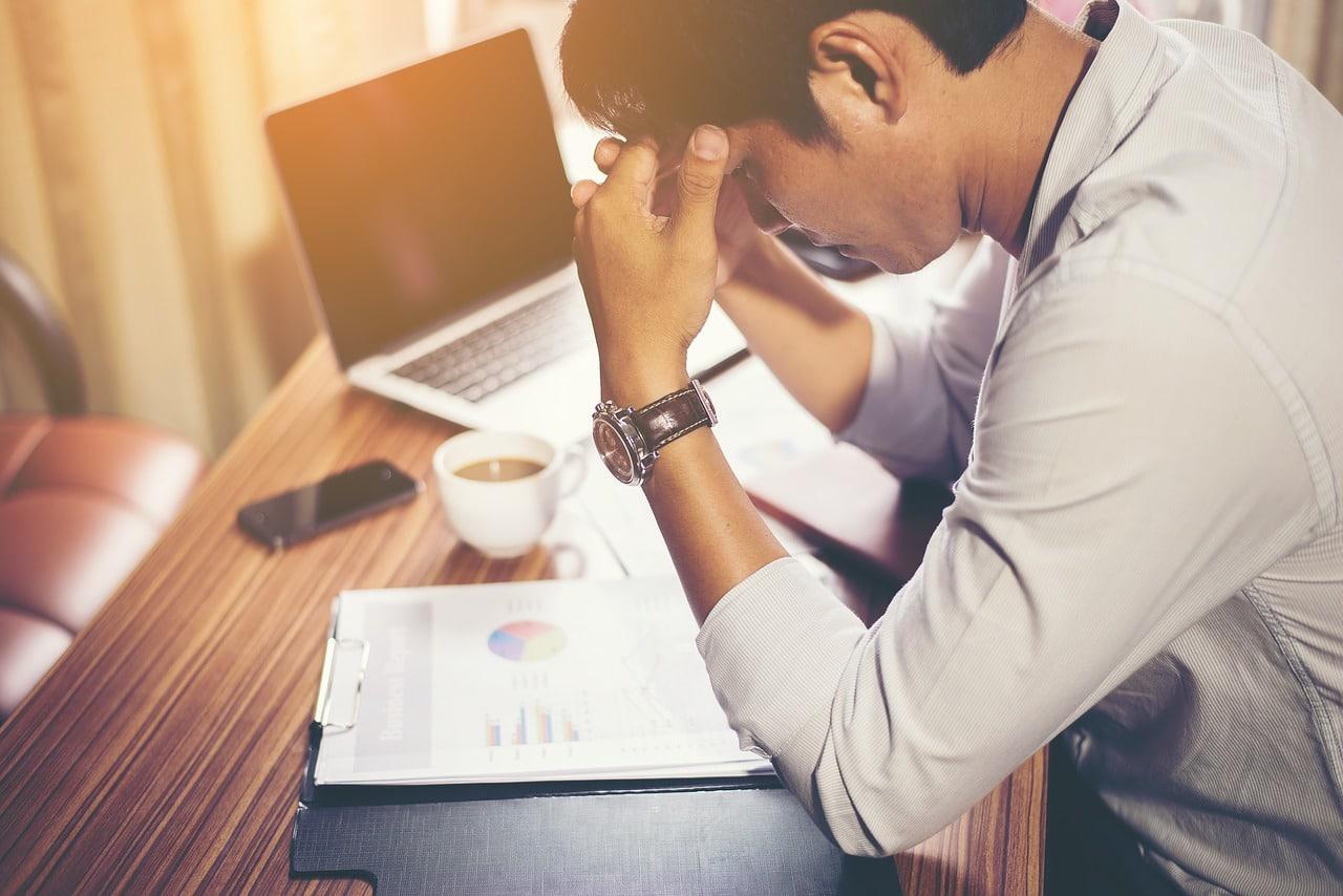 4 Health Risks Professionals Header Image