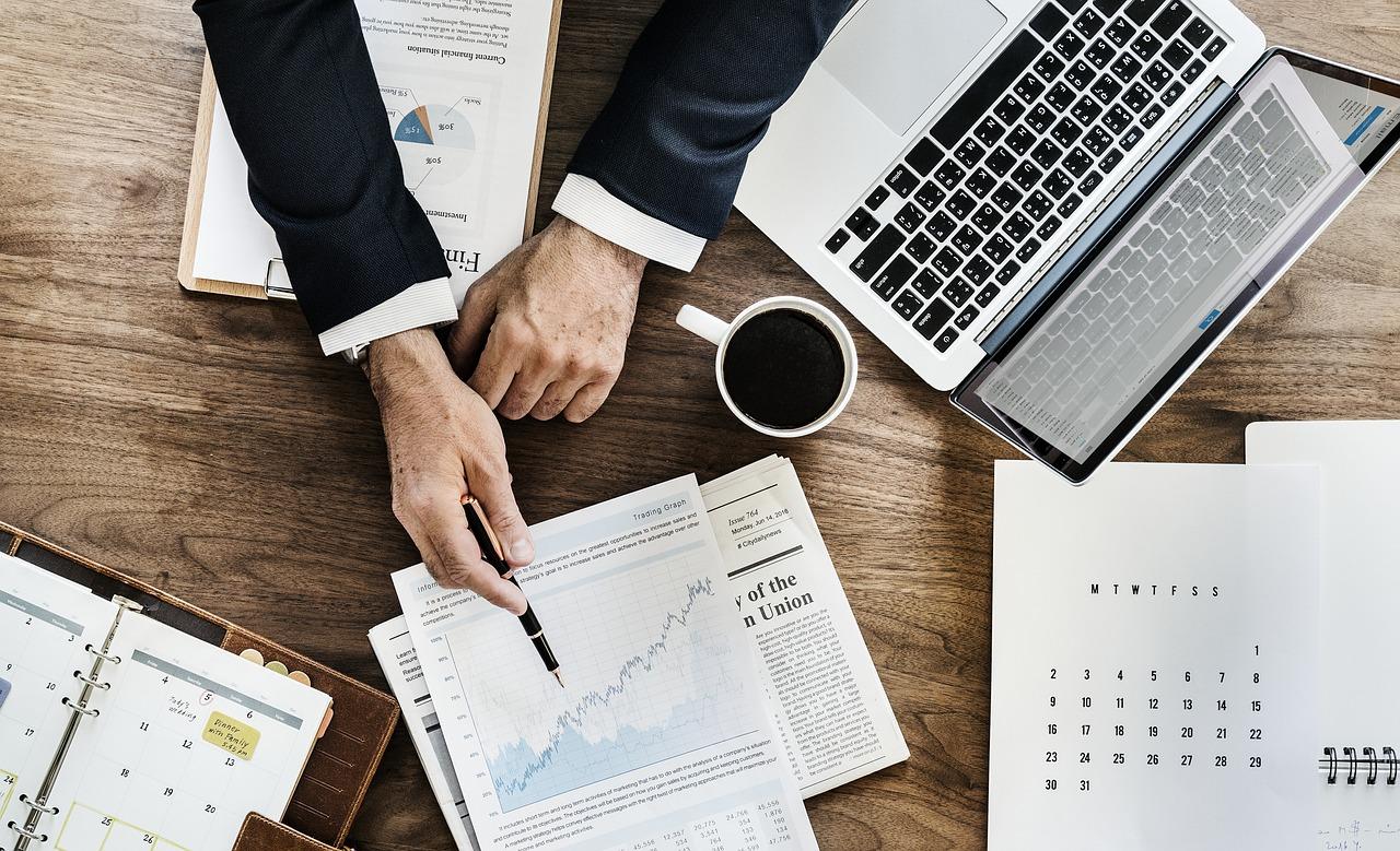 5 Cash Flow Business Tips Header Image
